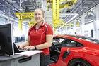 За първи през 2018 в Porsche работят над 30 000 души