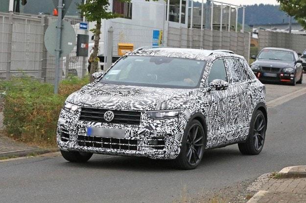 Volkswagen тества спортния кросоувър T-Roc R
