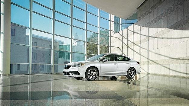 Subaru представи новото поколение на Legacy