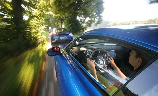 Alpine A110 срещу Porsche 718 Cayman: Осмели се да мечтаеш