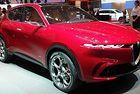 Alfa Romeo кръсти кросоувър на планински проход