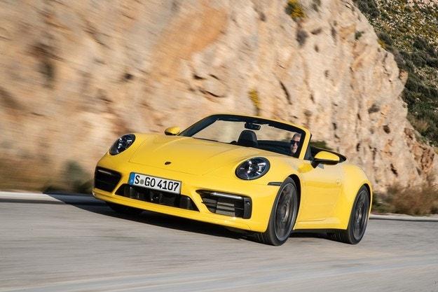 Силна 2018 за Porsche: Доставени 256 255 автомобила