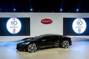 Bugatti: Черният автомобил дебютира в Дубай