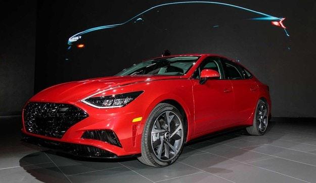 Hyundai показа в Ню Йорк новия седан Sonata
