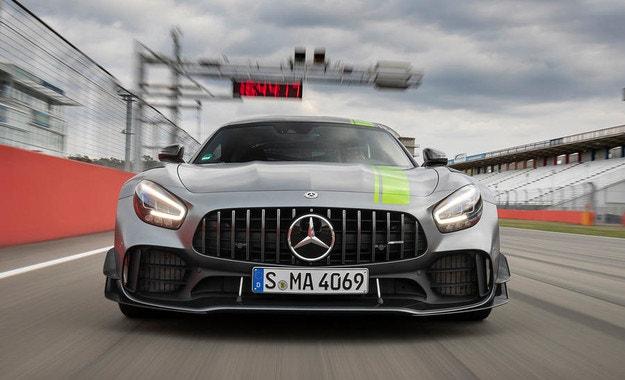 Mercedes-AMG готви най-бързия си автомобил