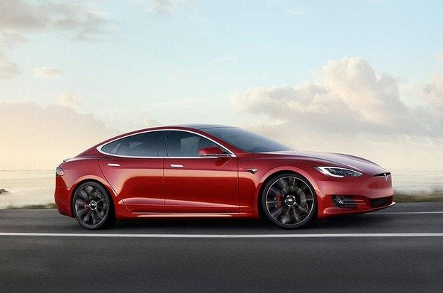 Tesla модернизира автомобилите Model S и Model X
