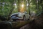 Mitsubishi Outlander PHEV: Най-доброто от два свята?