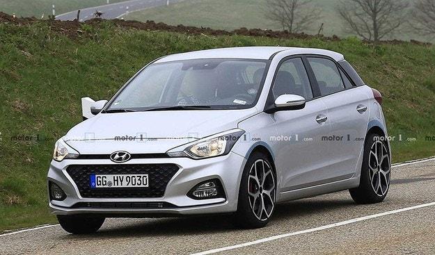 Hyundai започна тестове на спортния хечбек i20