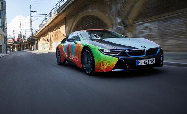 Баварците харесват арт автомобила BMW i8