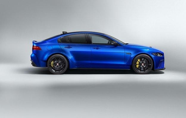 Представяме Jaguar XE SV Project 8