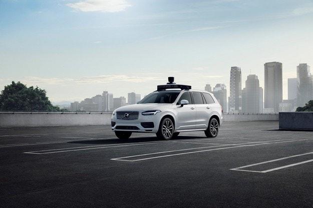 Volvo Cars и Uber представиха автономен автомобил