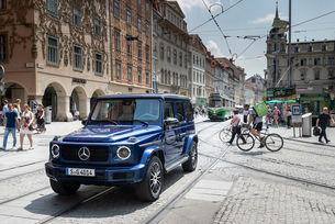 С Mercedes-Benz G 400 d отбелязват юбилея на G-класата