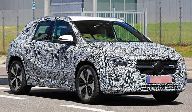 Mercedes-Benz започна тестове на новия GLA