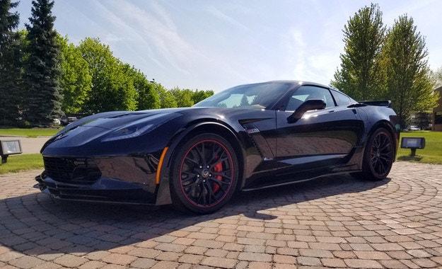 Последният Corvette C7 ще бъде продаден на търг