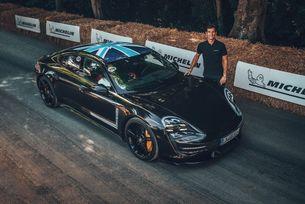 Porsche Taycan гастролира на Фестивала на скоростта