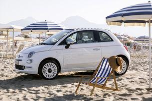 Fiat 500 Dolcevita връща публиката към шейсетте