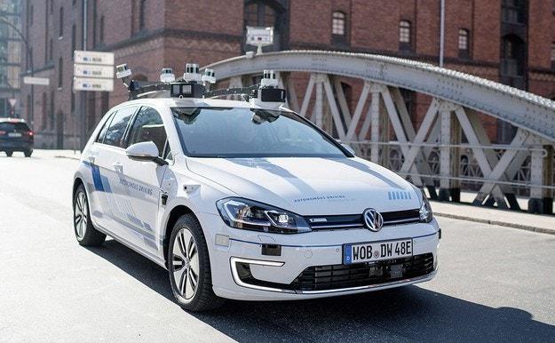 Ford ще прави електромобили на базата на VW