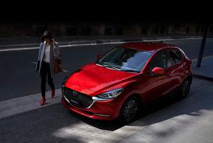 Хечбекът Mazda 2 се раздели с името Demio