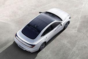 Hyundai представи Sonata със слънчева батерия