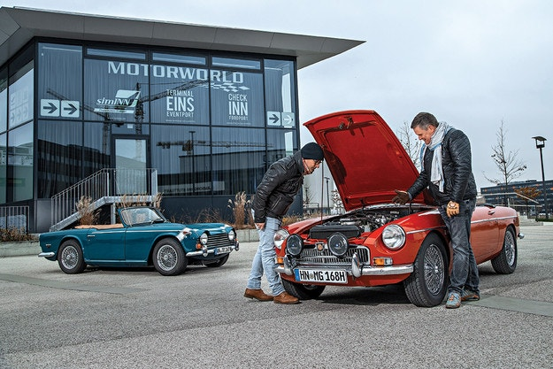 MGC и Triumph TR250