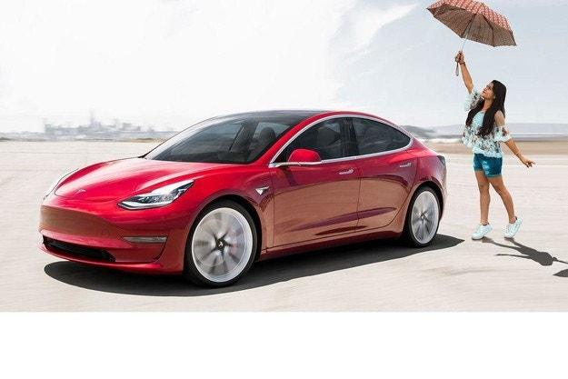 Продажби на електромобили в света: Tesla е пред китайците