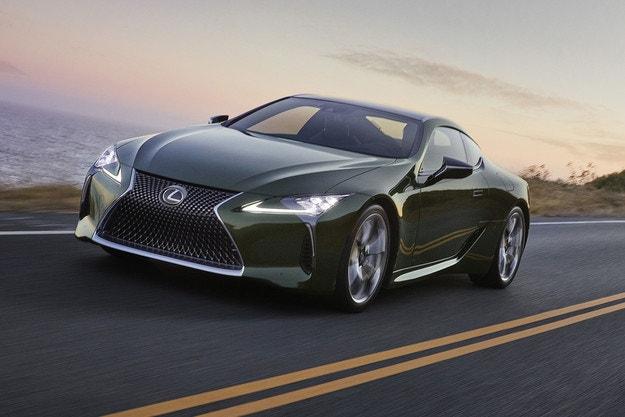 Това е новото купе Lexus LC Kaki Edition
