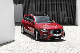 Mercedes-AMG показа компактен седемместен кросоувър