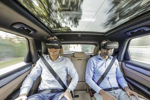 Porsche, Holoride и Discovery показват ново VR преживяване