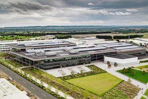 JLR отваря голям център за модерно производство