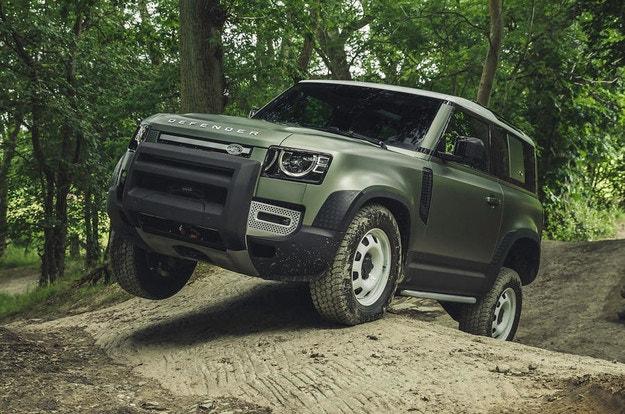 Land Rover Defender ще получи дистанционно управление