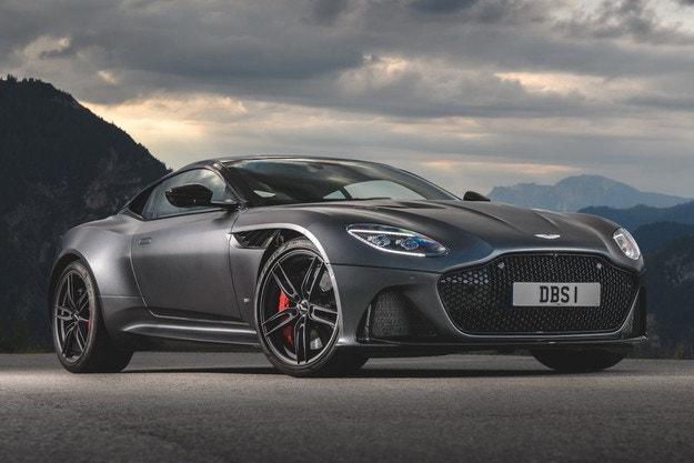 Четири Aston Martin в новия филм за Джеймс Бонд