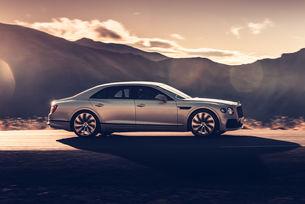 Нова спецификация Blackline за Bentley Flying Spur