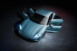 Porsche разширява гамата електромобили с Taycan 4S