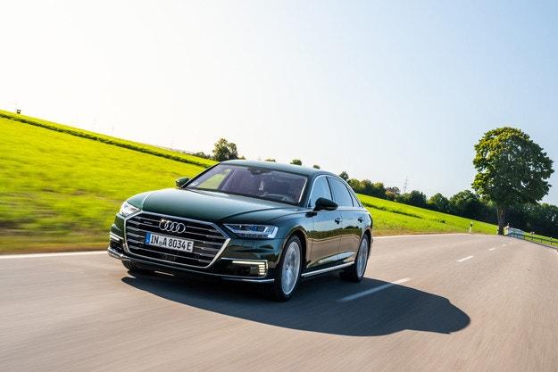 Audi направи хибридна модификация на седана A8