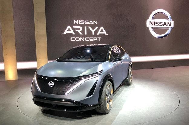 Nissan показа електрическия кросоувър Ariya
