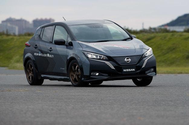 Nissan Leaf получи задвижване на всички колела