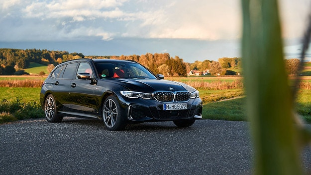 BMW представи новото комби M340i Touring