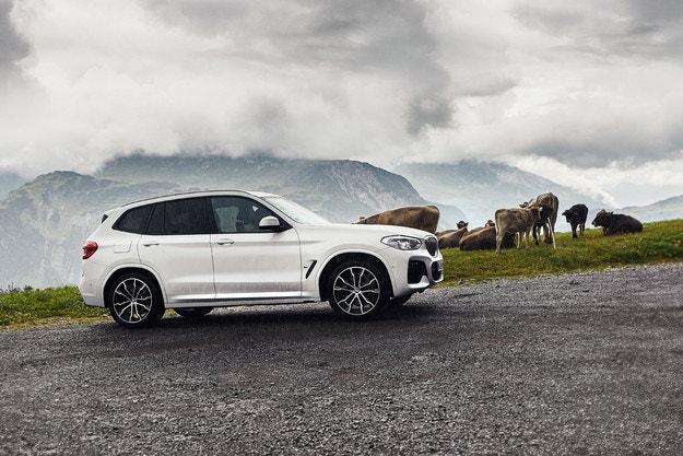 BMW X3 xDrive30e: Хибрид със зареждане от мрежата