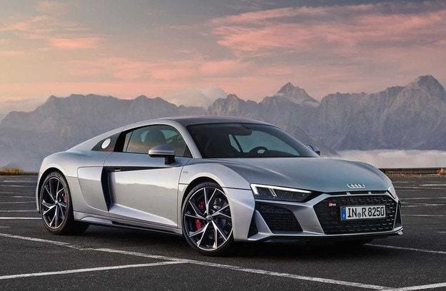 Обновеният Audi R8 със задно предаване е по-евтин