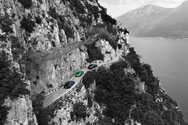 Bentley Continental GT, Ferrari GTC4 Lusso и Rolls-Royce Wraith Black Badge