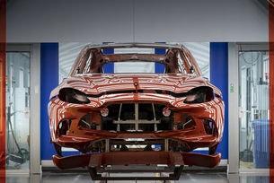 Aston Martin открива новия завод в Сейнт Атан