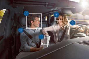 Нова система на Bosch държи пътниците под око