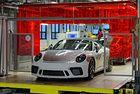 Последният Porsche 911 от серия 991 слиза от конвейера