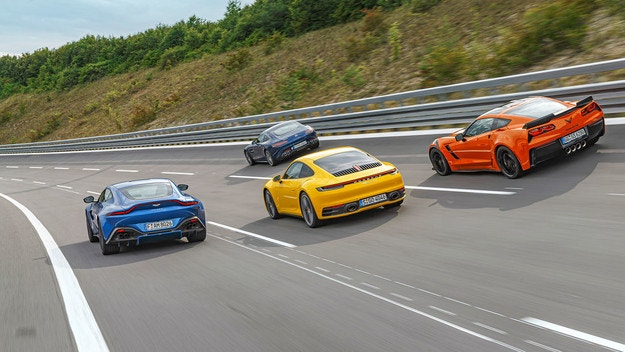 Porsche 911 срещу Aston Martin Vantage, Chevrolet Corvette и Mercedes-AMG GT