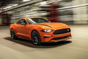 Mustang пак доминира над Challenger и Camaro