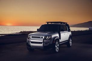 Land Rover Defender представя eSIM свързаност