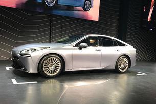 Toyota представи нов водороден седан