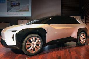 Показаха прототип на електрически кросоувър Subaru
