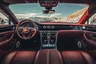 Bentley Flying Spur: Супер луксозен интериор