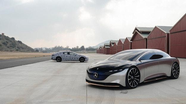 Mercedes-Benz показа електрическия лифтбек EQS